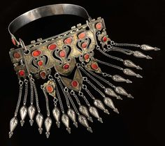 Turkmenistan | Silver, silver gilt and carnelian necklace from the Tekke people. ca. 19th century | 900 € ~ sold