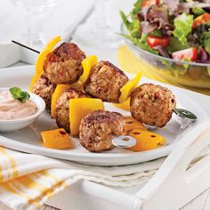 Brochettes de boulettes de porc épicées - 5 ingredients 15 minutes Confort Food, Pork Recipes, Mashed Potatoes, Bbq, Sauce Barbecue, Food And Drink, Meat, Cooking, Breakfast