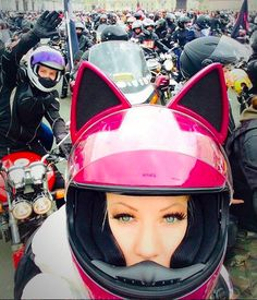 Your sensational love of CATS now available in Motorcycle Helmet Fashion. Wind drag? No way; vented fronts of the ears allow wind to breath and you to purr.