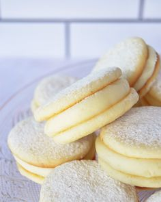 Citroen alfajores - picture for you Best Chewy Brownies Recipe, Brownie Recipes, Cookie Recipes, Dessert Recipes, Easy Cookie Recipe Without Butter, Decadent Cakes, Pastry And Bakery, Cookies, Sweet Recipes