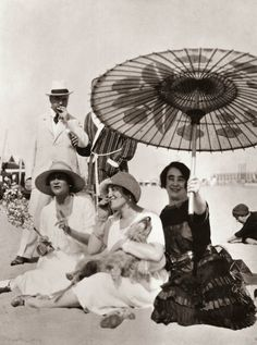 ADORED VINTAGE: Photography