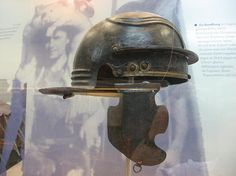 Weisenau helmet, also called Imperial Gallic, was in use during Claudian times - Halten Museum Ancient Rome, Ancient Greek, Ancient History, Soldier Helmet, Roman Helmet, Gladiator Helmet, Roman Legion, Germanic Tribes, Roman Soldiers