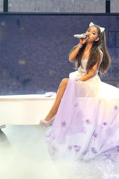 Ariana Grande's Best Looks from Her Honeymoon Tour | Teen Vogue