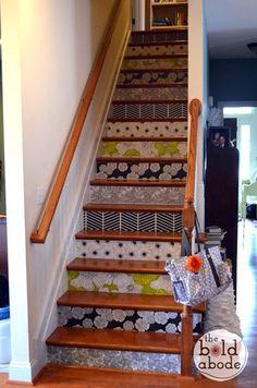 Escaliers de papier peint sur pinterest contremarches for Tapisserie montee escalier