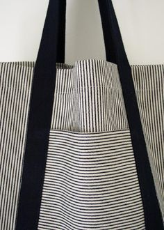 Turn dirt-hiding denim stripes and neutrals into strong, useful bags for shopping and beyond with this railroad tote tutorial! Turn dirt-hiding denim stripes and neutrals into strong, useful bags for shopping and beyond with this railroad tote tutorial! Sewing Tutorials, Sewing Crafts, Sewing Projects, Sewing Patterns, Bag Tutorials, Purse Patterns, Tote Pattern, Tape Crafts, Sewing Tips