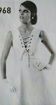 Janvier 1968.  Haute couture été 1968. L Officiel 1000 modèles.