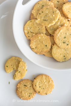 Cheddar Chive Crackers | Grain-, gluten-, sugar-free YUM
