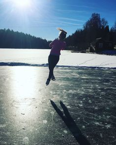 ♡ figure skating on a frozen lake