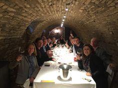 Réunis pour célèbrer la Bourgogne entre amis autour de Greg et Julie !  Friends gathered together to celebrate Burgundy with Julie and Greg !