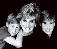 Diana, Princess of Wales is my Inspiration.her smile changed the world! Lady Diana Spencer, Diana Son, Princess Diana Death, Princess Diana Pictures, Princess Of Wales, My Princess, Prinz Charles, Prinz William, Elizabeth Ii