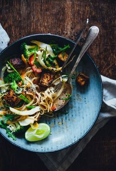 Thai salad with sweet & salty tofu and red curry peanut sauce