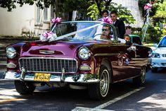 Casarse para un cubano va más allá de firmar papeles o ir a la iglesia, de fiestas y fotos. Es un compromiso de alma y cuerpo.