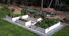 Om husbygge i 1,5 plan; garage, altan, trädgård och inredning av övervåning. Allt du kanske funderat på inför ditt eget husbygge. Gravel Garden, Veggie Patch, Home Vegetable Garden, Outdoor Spaces, Outdoor Decor, Raised Garden Beds, Raised Bed, Garden Inspiration, Outdoor Gardens
