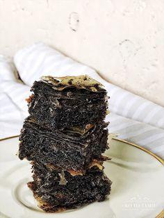 KO TO TAMO...: Mak pita Torte Recipe, Macaroons, Cake Art, Sweet Recipes, Dessert Recipes, Food And Drink, Serbian Recipes, Cooking Recipes, Sweets