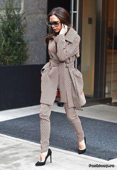 Fashiony.ru - женская мода сезона весна-лето осень-зима 2016-2017
