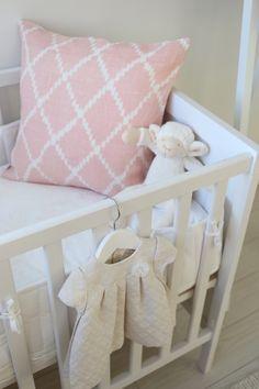 Homevialaura | nursery l Chhatwal & Jonsson Ikat Kerela Baby Pink cushion from Zarro Store