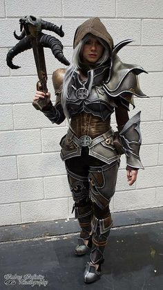 Lady Lemon Cosplay - Demon Hunter Diablo 3 - Artwork version I like to wear this armor very much, but I like to change the hair, so something looks different every time ;)
