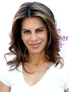 The Jillian Michaels Body Revolution program is Jillian's most comprehensive extreme weight loss system yet! The program consists of the smartest, most cutting-edge workouts that Jillian has ever put out on DVD, plus her scientifically proven state-of-the-art diet plan.