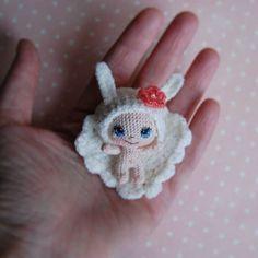 WEBSTA @ tamhippopo - Мама, я летала во сне! #crochet #вязанаякукла #amigurumi #амигуруми #crochetdoll #вязаниекрючком #dollstsgram #вяжутнетолькобабушки #crochethat #вязанаяшапка #knitting #шапки #baby #малышка #детки #crochetaddict #текстильнаякукла #textiledoll #текстильныекуклы #миниатюра