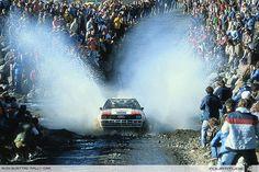 Lo increíble es proporcional al pequeño espacio que dejan los fanáticos en la ruta - grupo B -  Audi quattro rally car. Photo by Audi AG.