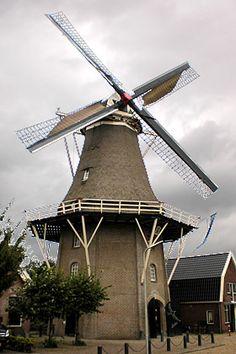 Flour mill, De Zwaluw, Hoogeveen, the Netherlands. Holland Windmills, Old Barns, Le Moulin, Amazing Nature, Belgium, Netherlands, Dutch, Cool Pictures, Scenery