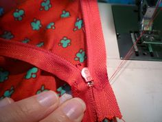 Sewaholic zip insertion tutorial. The rest of the sewalong looks like it might be helpful too!