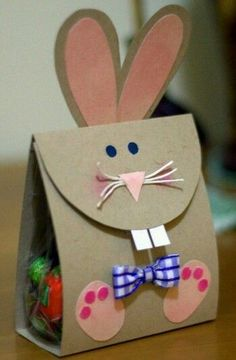 österliche Papiertüte-Hase mit Applikation-DIY Basteln mit KIndern: Easter paper bag bunny with application DIY Craft with kids: Spring Crafts, Holiday Crafts, Holiday Fun, Kids Crafts, Crafts To Sell, Easter Art, Easter Crafts, Bunny Crafts, Easter Bunny