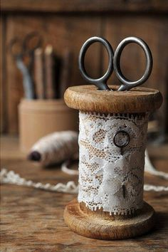vintage lace on old wood spool and scissors My Sewing Room, Sewing Box, Sewing Rooms, Sewing Spaces, Wooden Spool Crafts, Wooden Spools, Vintage Sewing Notions, Vintage Sewing Machines, Raindrops And Roses