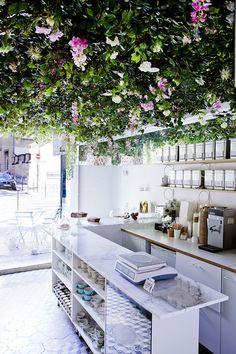 Lily du Marais, jardin secret. Salon de thé. Carreau du temple