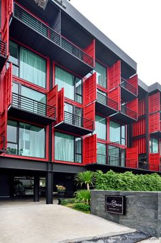 Container House - โฮลเทลกลางกรุงที่กล้าท้าทุกข้อจำกัดจับตู้คอนเทนเนอร์มาตั้งเรียงเปลี่ยนเป็นที่พักสุดชิค container hostel - Who Else Wants Simple Step-By-Step Plans To Design And Build A Container Home From Scratch?