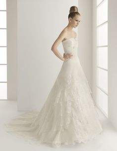 A-Line Straight Neckline Strapless with Empire Waist and Lace Appliques Zipper Semi-Cathedral Train Organza Wedding Dress