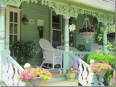 Pretty Cape May Porches Cottage Porch, Home Porch, Cottage Chic, Cottage Style, Cottage Ideas, Cape May, Outdoor Rooms, Outdoor Living, Outdoor Decor