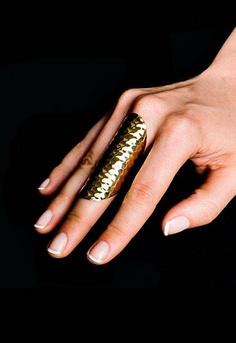 Soixante Neuf Hammered Ring