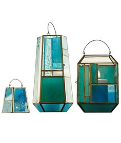 When the sunlight hits these stained glass pieces, your outdoor space will be filled with a colorful glow. As the sun sets, light a candle inside each to maintain the luminous ambiance.