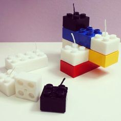 Quando criança, essas peças de plástico eram pura diversão. Hoje, fontes de inspiração, elas vão ganhando novos usos. Confira nossas dicas de inspiração que podem ser usadas na decoração e, acreditem, até para comer!
