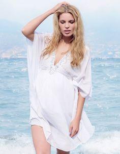 Craquez pour ce joli #caftan de #maternité blanc #Seraphine pour être sexy à la #plage même #enceinte: http://www.seraphine.fr/caftan-de-maternite-aztec.html