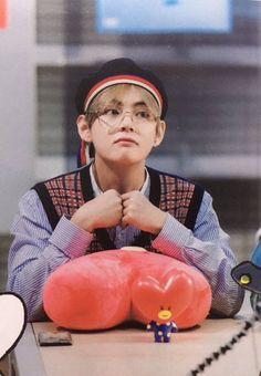 그는 너무 귀여워서 사랑 스럽다 ^^ 나는 그를 사랑한다!! #김태형 #내인생 #카와이소년