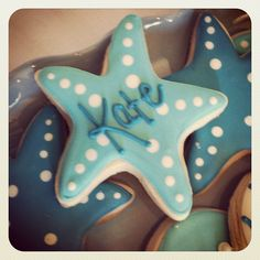 Starfish cookies!! Great idea for parties!! These would be a great beach theme (or mermaid party) seat placement idea!