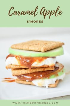 Caramel apple s'mores are a new twist on an old favorite! They'll be your new campfire  go-to apple dessert! #apple #dessert #applerecipe #falldessert #smores #applecaramel Apple Desserts, Fall Desserts, Apple Recipes, New Recipes, Smores Dessert, Breakfast Recipes, Dessert Recipes, Toasted Marshmallow, Graham Crackers