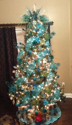 Silver and Blue Christmas Tree | Christmas | Pinterest | Blue ...