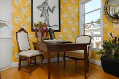 Rooms Spring to Life With Bold Floral Patterns
