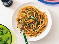 The new stars of online cooking | How To Spend It Linguine, Crispy Chicken, Roasted Chicken, Seven Fishes, Caramelized Shallots, Pastas Recipes, Recipies, Dinner Recipes, La Marmite