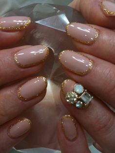 nude nails + jewels