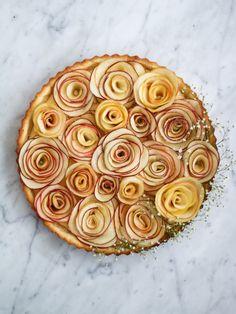 Constellation Inspiration: Apple Rose Vanilla Custard Tart
