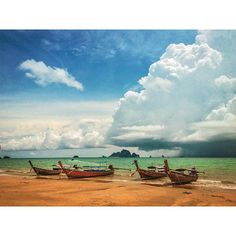 Another beautiful day in paradise! #thailand #aonang #ocean #beach #clouds #sky #view #boats #sunny #sunshine by mrcrow