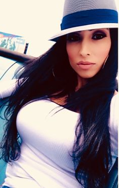 She sort of looks like my ex Sandra, we are still friends. Latin Girls, Latin Women, Chicana Rose, Beautiful Latina, Beautiful Women, Chica Chola, Estilo Cholo, Chola Girl, Cholo Style