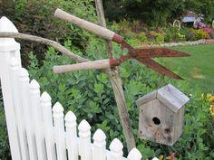 junk garden | Garden junk & birdhouse | Prim Bird Homes