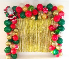 8 decorative objects to prepare the arrival of Christmas! Christmas Party Backdrop, Fun Christmas Party Ideas, Tacky Christmas Party, Christmas Birthday Party, Christmas Balloons, Christmas Backdrops, Kids Christmas, Diy Christmas Party Decorations, Christmas Snacks