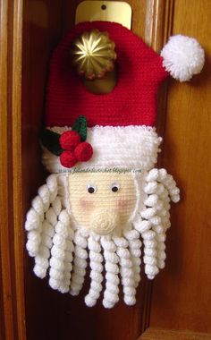 Love this Santa! Pattern not in English, but there is a diagram.