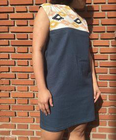 La Robe Aurélia est idéale pour les débutantes en couture. Sa coupe simple et fluide est intemporelle et vous suivra tout au long des saisons.  Le patron est au format PDF, il n'y a pas à a…